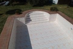 liner-armado-piscina-piedra-Mármol-natural-crema