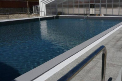 piscina-gris-oscuro