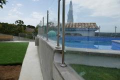 suelo-borde-piscina-piedra-imitacion-madera