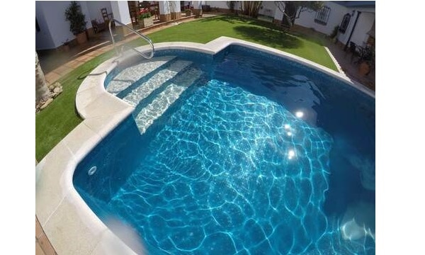 piscina gresite blanco