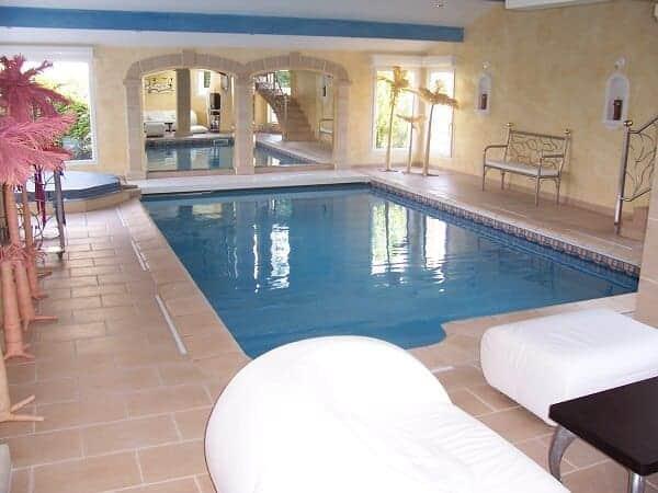 Cobertor automatico piscina sumergido con motor en viga