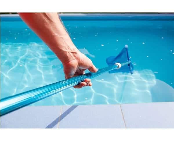 Cuándo usar el floculante en la piscina