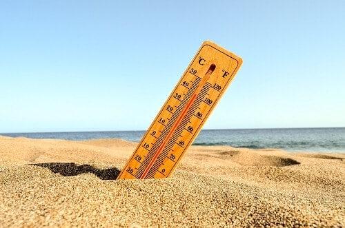 cuanta agua pierde una piscina por evaporacion