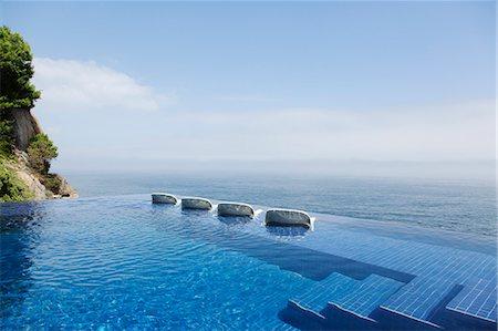 escalera de obra para piscinas