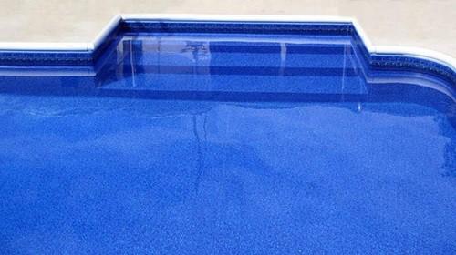 escalera de piscina rectangular