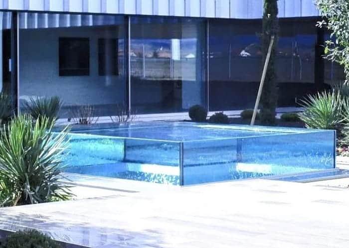 pared de vidrio para piscinas