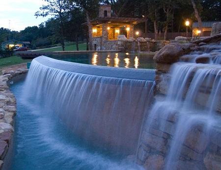 piscina desbordante cascada