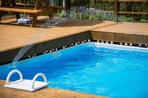 reparar fuga en piscina llena