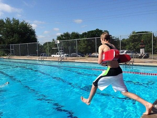 Elementos de seguridad en una piscina