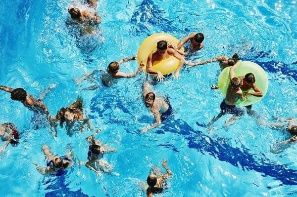generacion de electricidad piscina