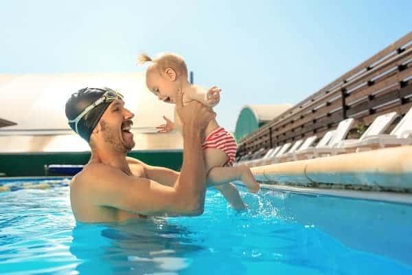 piscina divertida y segura