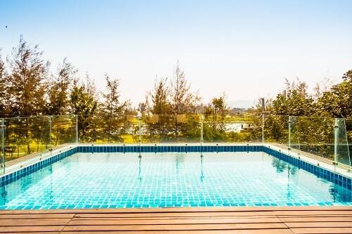 piscina en jardin
