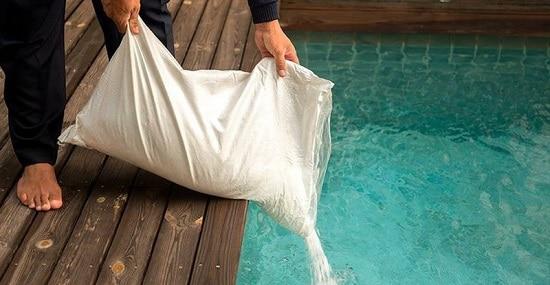 desinfectar piscina