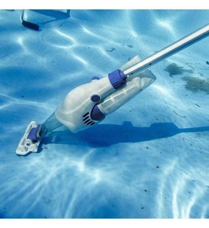 limpiafondos a pilas para piscinas