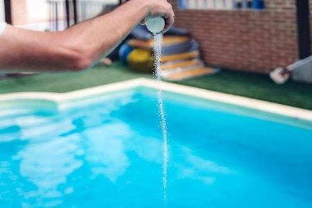 como aplicar cloro de choque piscina