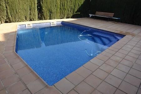 reforma coronacion piscina